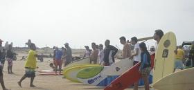 Exitosa clínica de Surf
