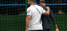 Neymar se retira de práctica con dolor
