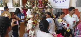 Veneran a la virgen de Guadalupe