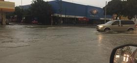 Pertinaz lluvia inunda calles