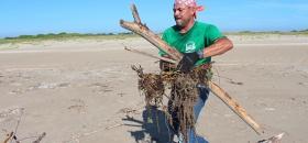 Sancionarán por tirar basura en la playa